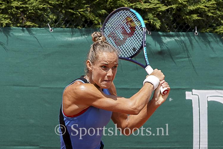 ITF WorldTennisTour Arantxa Rus wint finale